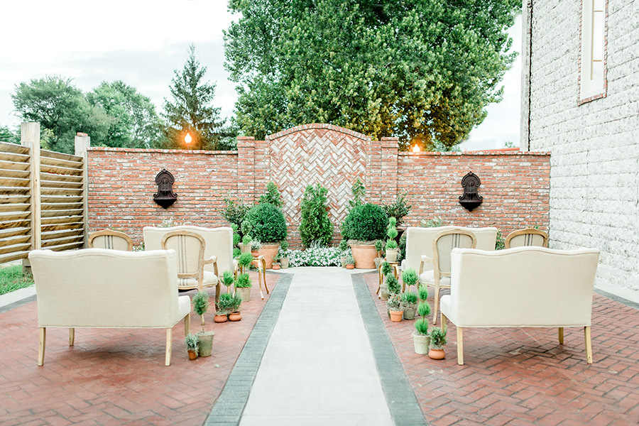 arkansas outdoor indoor wedding venue the ravington