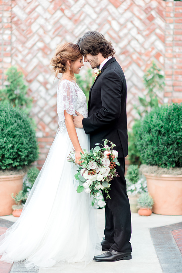 outdoor indoor wedding the ravington arkansas